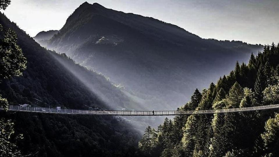 Ponte nel Cielo, de langste en hoogste hangbrug in Europa