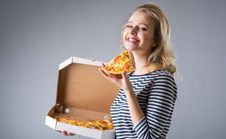 Hoeveel calorieën zitten er in een authentieke Italiaanse pizza?