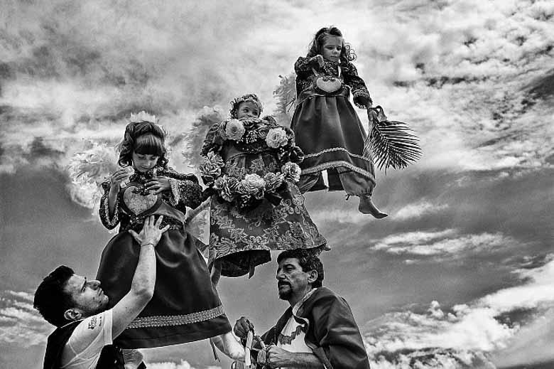 De zwevende kinderen van Campobasso op Corpus Domini zondag