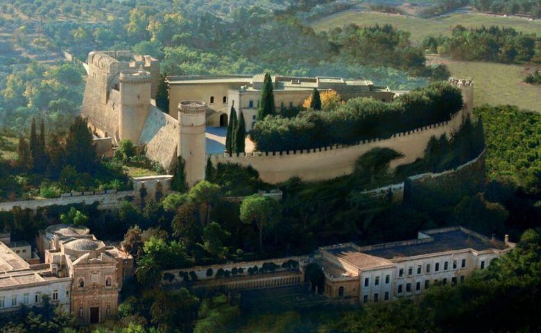 Oria de stad van Frederico II, de heilige tweeling, mummies en Messapi.