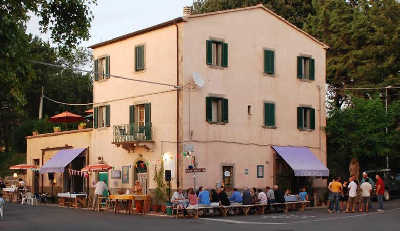 15 Insider tips voor ouderwets gezellig uit eten in Toscane