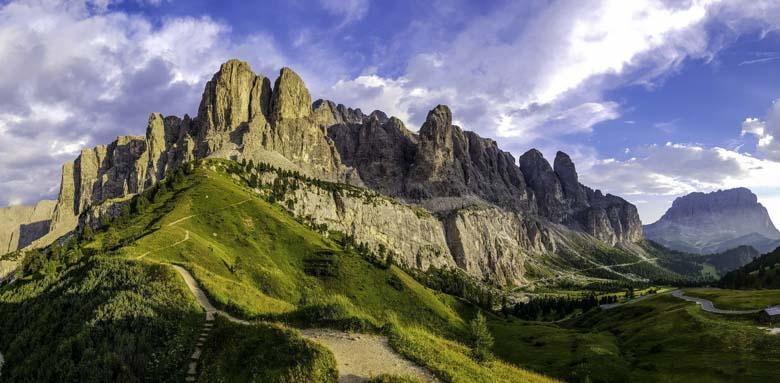 De Sellaronda - hiken naar 4 passen (Campolongo, Pordoi, Sella en Gardena)