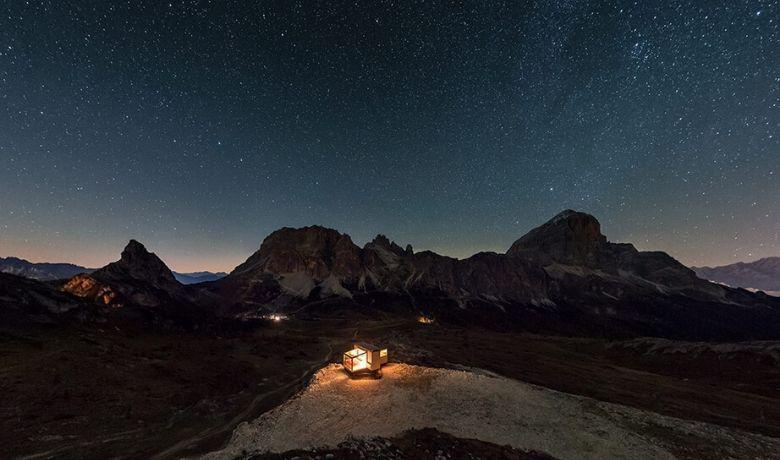 Romantisch sterrenkijken in de Dolomieten in de Starlight Room