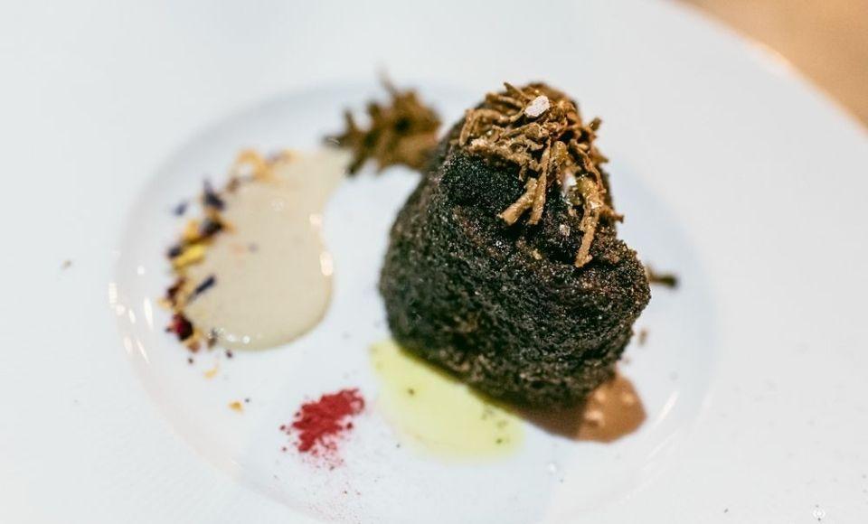 Monton Black Travel Gourmet Hotel Captain Chef Giancarlo Polito's Inn