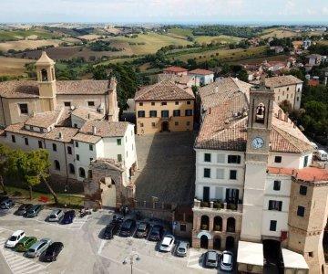 Vergeet Chianti, antieke druivenrassen zoals de Lacrima Morro d'Alba veroveren Italie