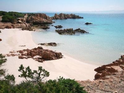 Sardinië basis route in 6 etappes langs de populairste bezienswaardigheden