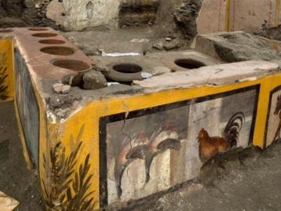 Antieke snackbar in Pompeii onthuld