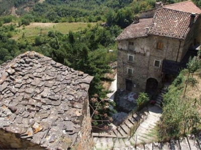 Spookdorpen over de grens van Abruzzo en Marche