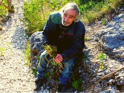 Een bosje wilde asperges, spookdorpen en fotogenieke bouwvallen