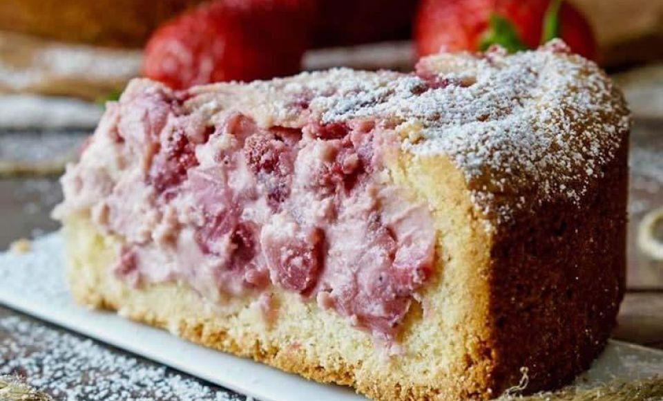 Gebak met aardbeien en ricotta