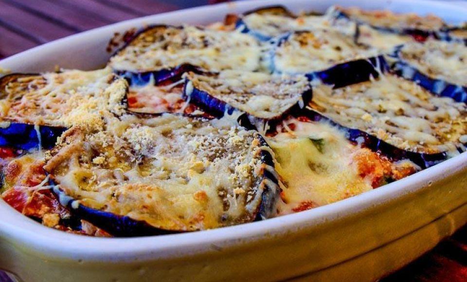 Gegratineerde aubergine ovenschotel uit Caserta