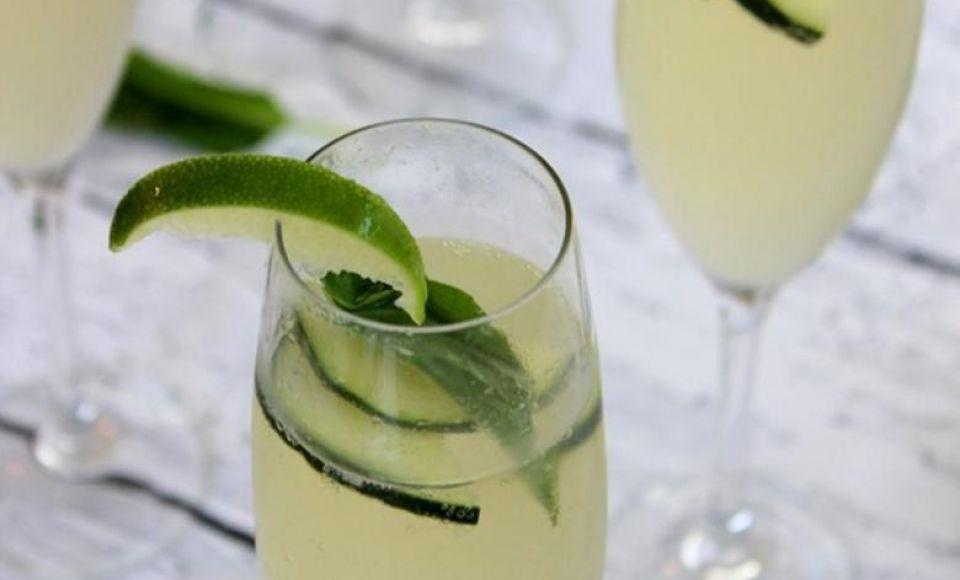 Komkommer en Basilicum Spritz met Prosecco