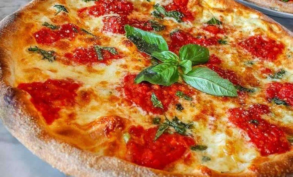 Hoe maak je Pizza Margherita uit Napels