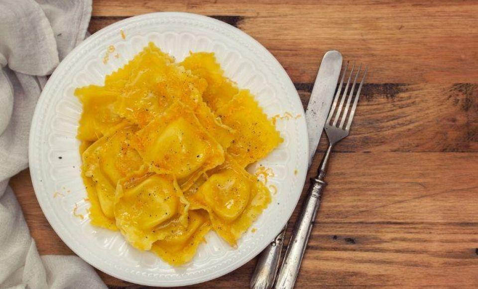 Ravioli gevuld met aardappel en kaas