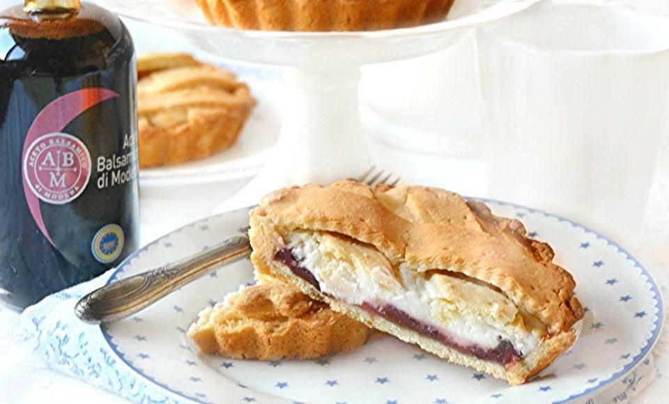 Ricotta taart met kersenconfituur en aceto balsamico di Modena