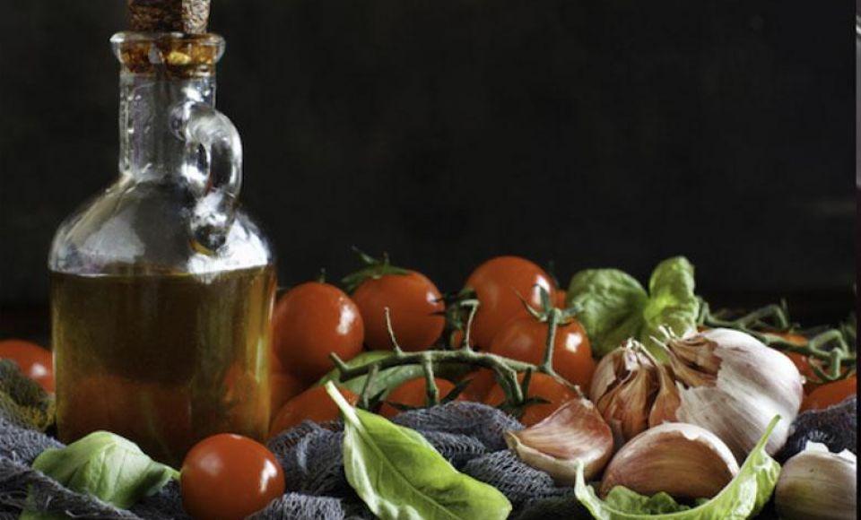 Salsa Rossa con olive nere - rode saus met zwarte olijven