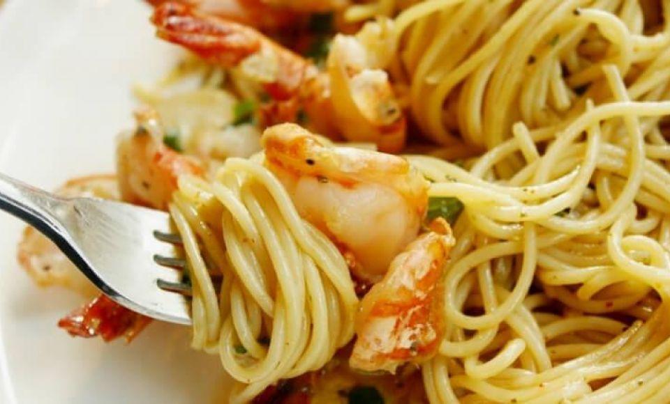 Spaghetti met garnalen en artisjok