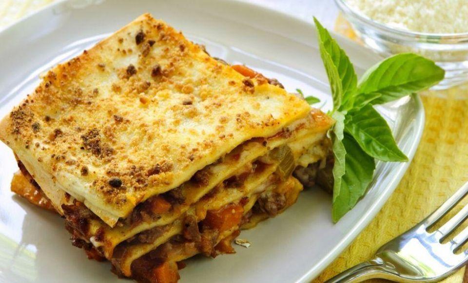 Vegetarische lasagne met prei en linzen