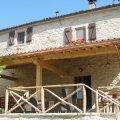 Agriturismo Ca'Betania, aan de voet van de Apennijnen in Marche