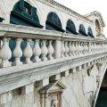 Bocelli brengt serenade aan Rialtobrug in Venetië na restauratie