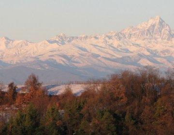 Alta Langa - Het eerste dat je ziet: de bergtoppen - Karin Stubbé