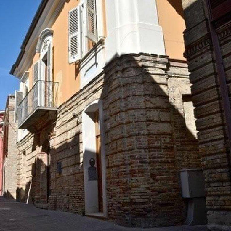 Historisch pand te koop in Silvi Alta in Abruzzo