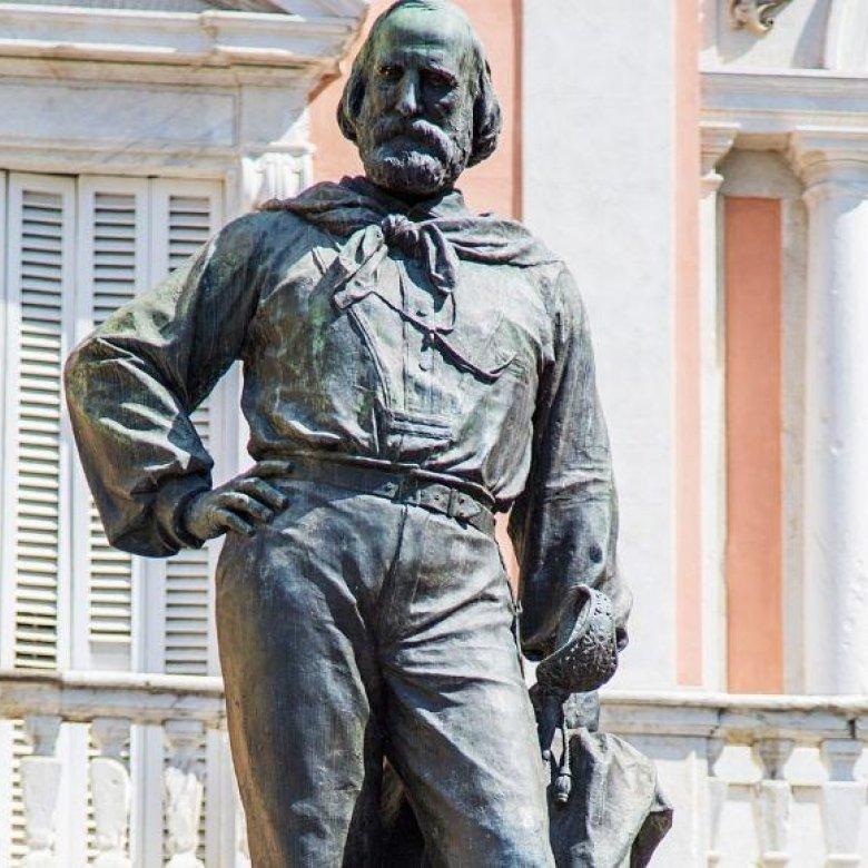 Garibaldi, charmante rokkenjager van de Italiaanse eenwording