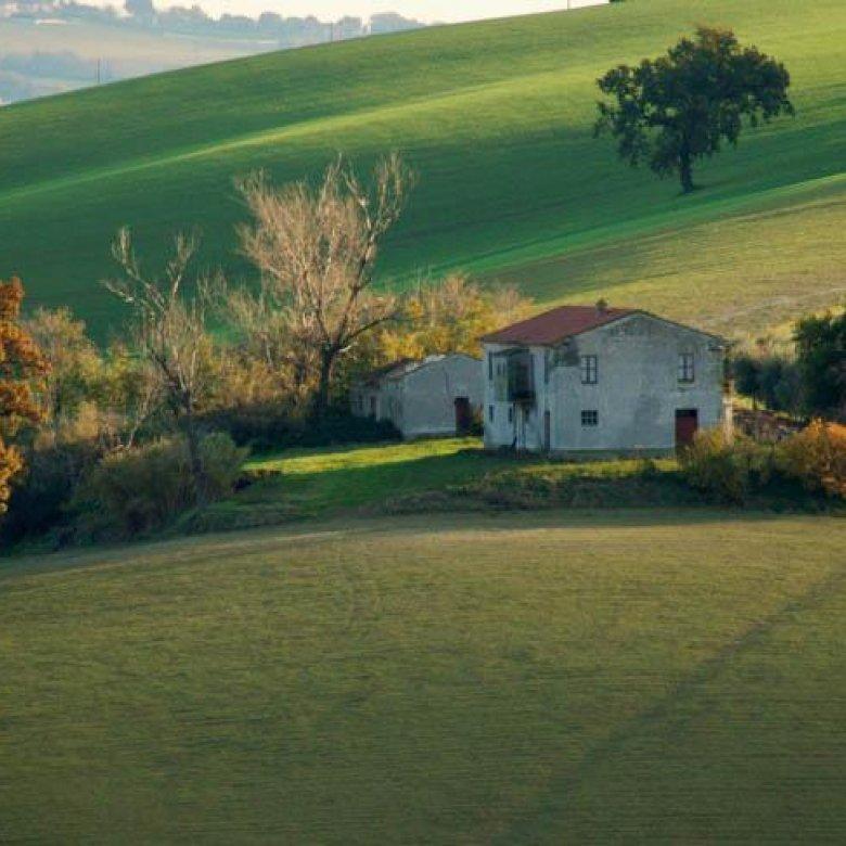 Een huis kopen in Italië: het avontuur begint in de Marche regio.