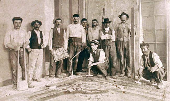 Familiebedrijven in het leggen van mosaik vloeren