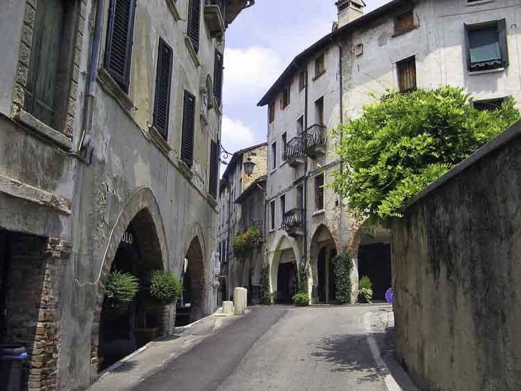 Asolo, de stad van de 1000 horizonten in de Veneto regio