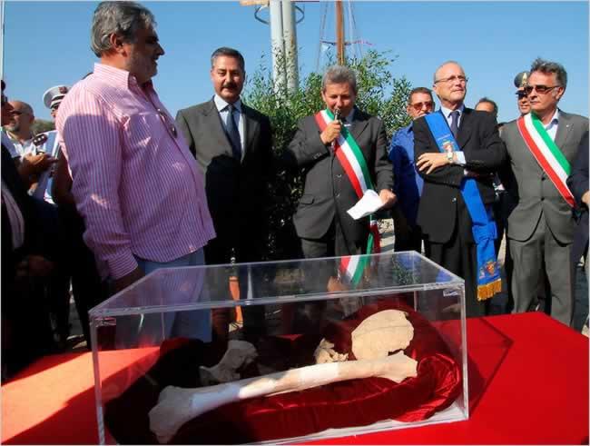 Bij de inhuldiging in Porte Ercole