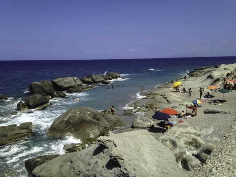 Een van de gezellige stranden bij Capo d´Orlando