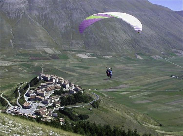 Hoogvliegers, een geliefde sport rond Castellucio