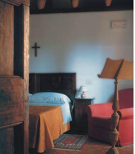 Smaakvol ingerichte kamers in de abdij van San Pietro in Valle