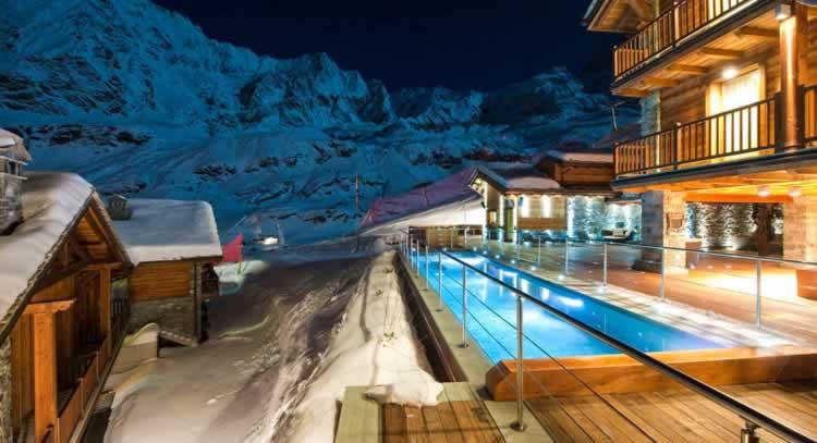 Spa en sneeuw in de Aosta vallei