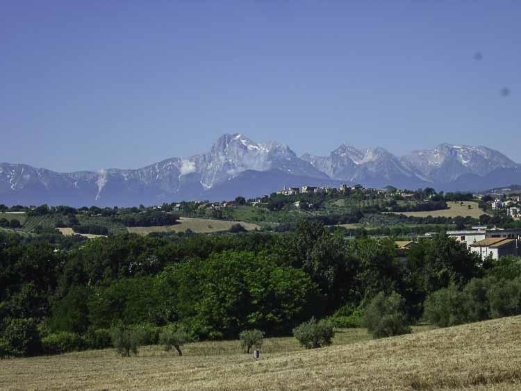 De Apennijnen in de verte