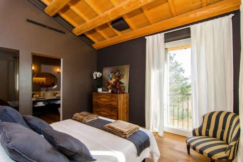 Een van de luxe suites van CasaVostra Ambience Suites