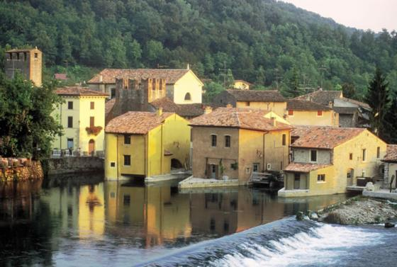 Valeggio sul Mincio, leuk middeleeuws dorpje in de Veneto