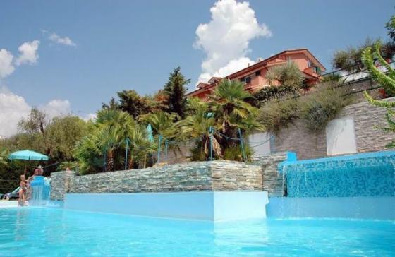 Vakantie Huizen Italie : Vakantiehuizen italie aan de bloemenriviera