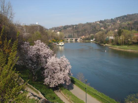 Turijn, aan de overkant van de brug heet Cavoretto