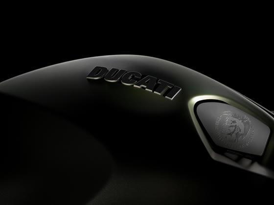 Diesel kleding voor Ducati
