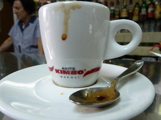 Trakteer eens op een boek (caffè) sospeso