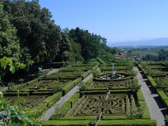 Lazio's verborgen tuinen in lentekleed
