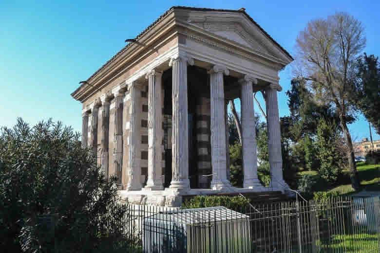 De gerestaureerde tempel van Portunus