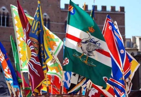 Vlaggenparade Palio Siena