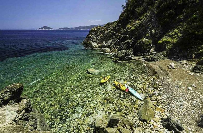 Het strand van Remonto op Elba