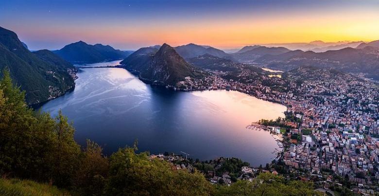 Wat zijn de hoogtepunten van het Grootmeren gebied van Italie?