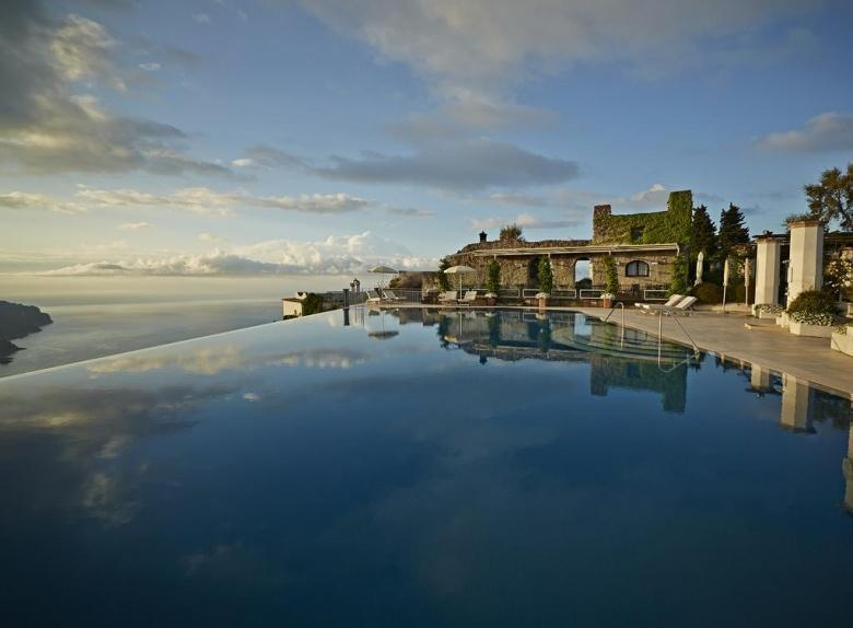 Infinity pools in Italië