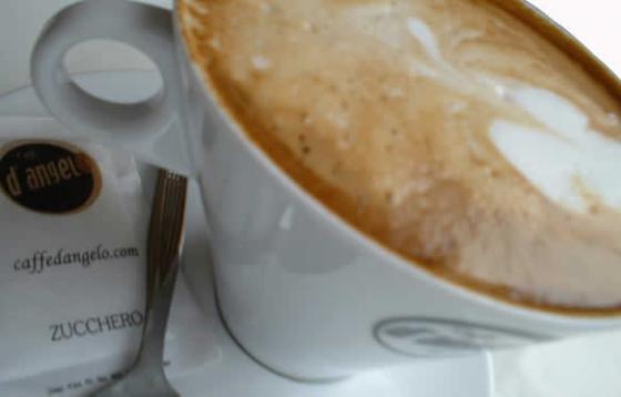 Cappuccino: kunst of kitsch