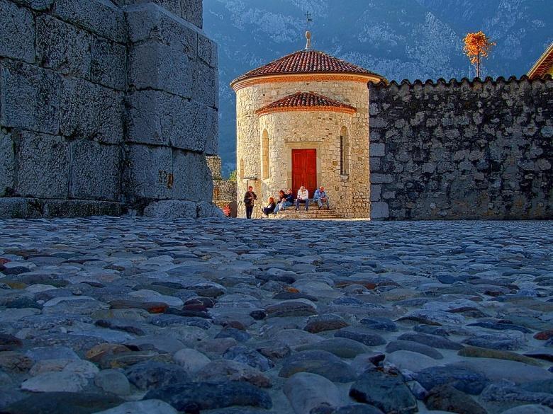 Venzone, het mooiste middeleeuwse dorp van Italië
